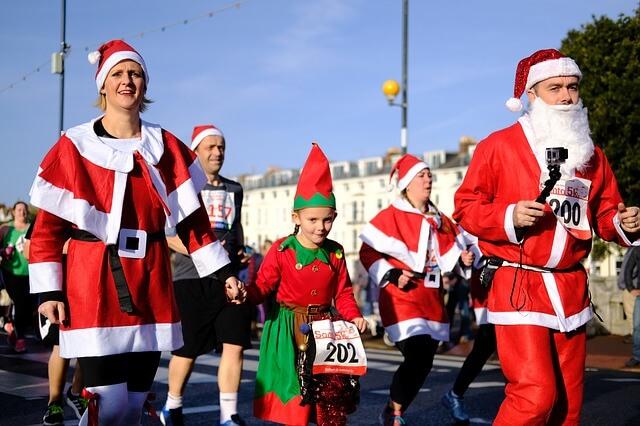 Organize a Santa Run